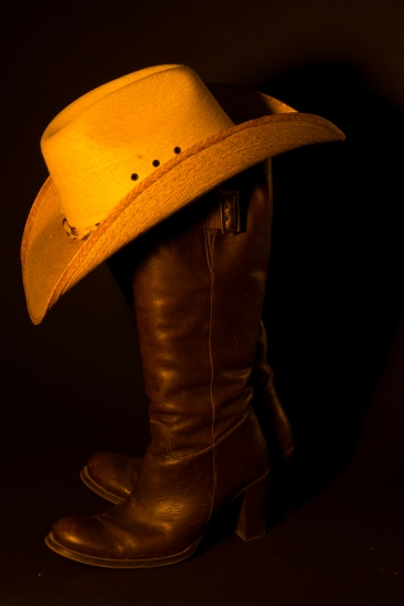 Hat too bright but better definition on boots